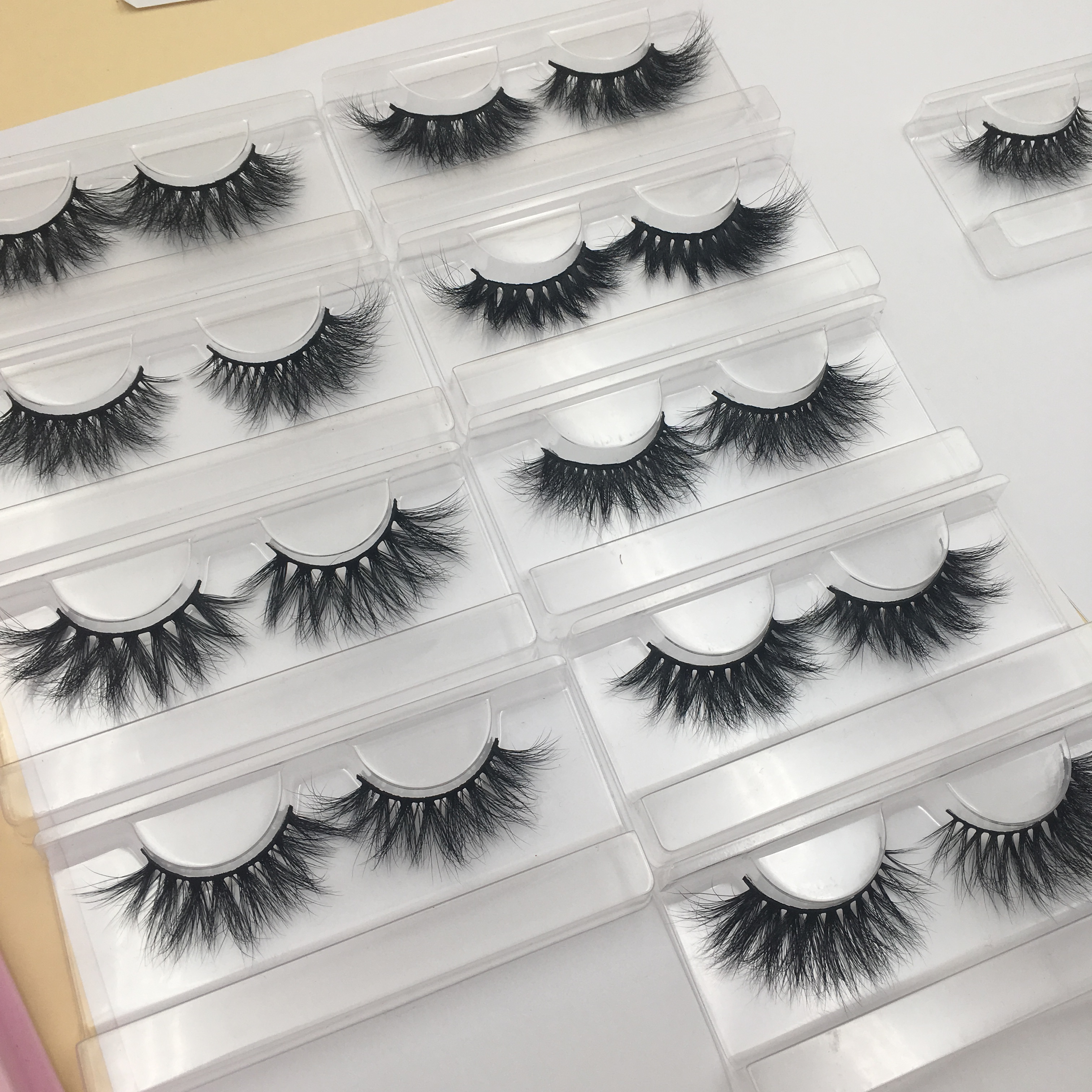 25mm siberian mink lashes - Wella Lashes