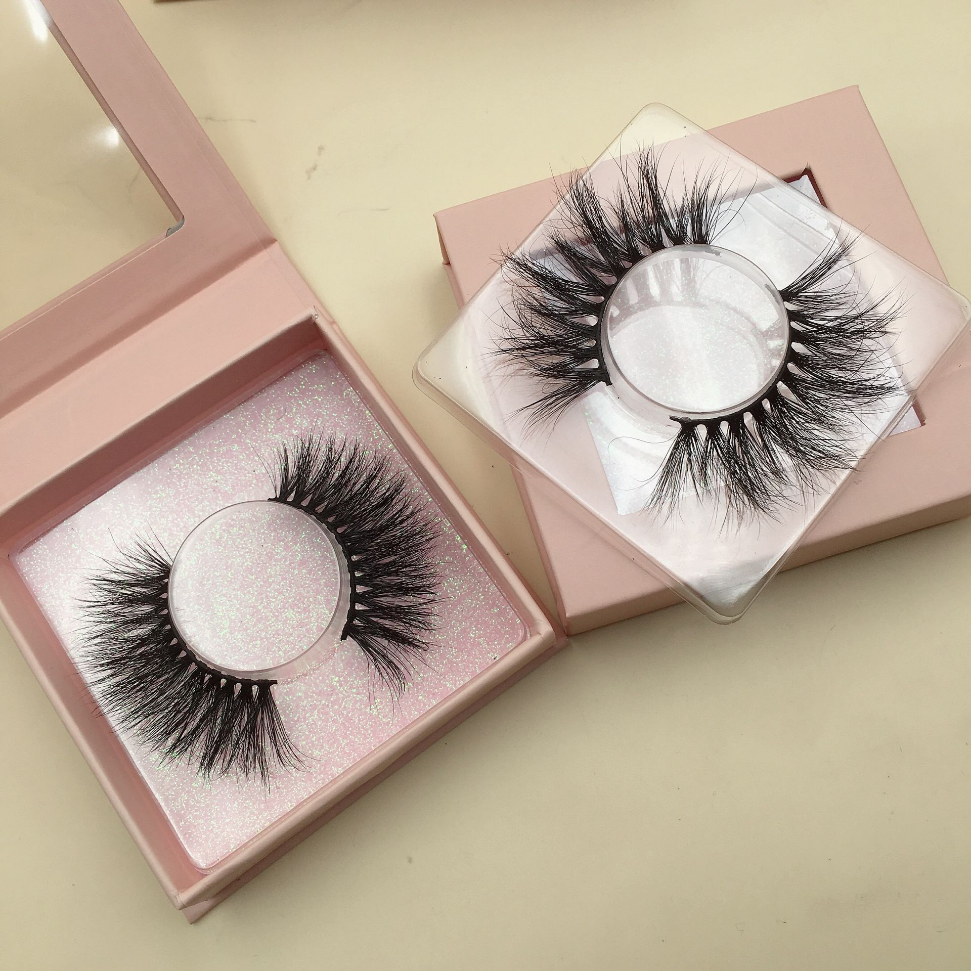 Who is the most professional 25mm strip lashes & eyelash vendor